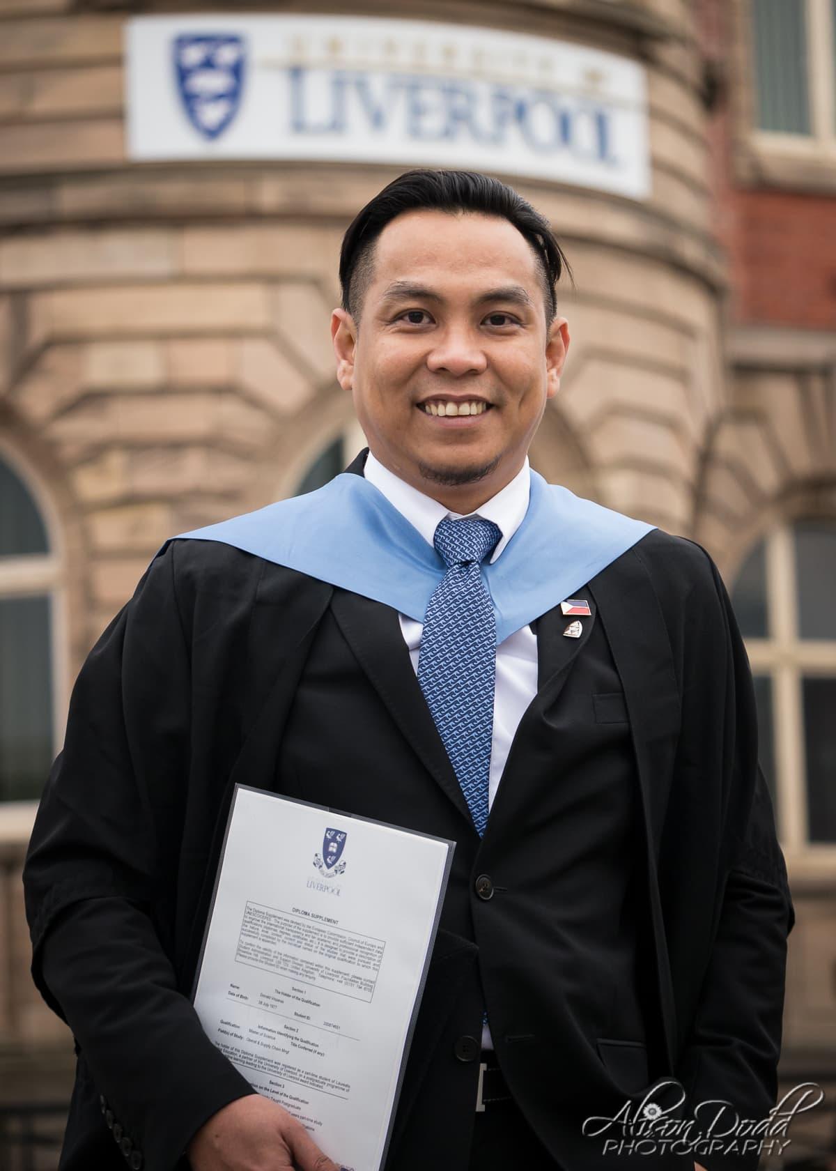 Graduation Photography liverpool John Moores University